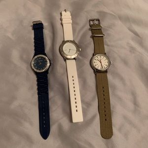 3 Watches, 2 silicone bands and a athletic band